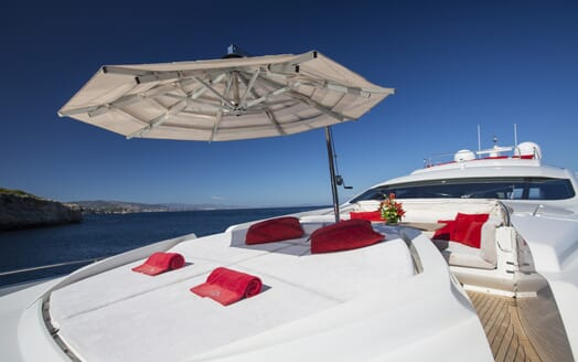 Motor Yacht Tiger Lily foredeck