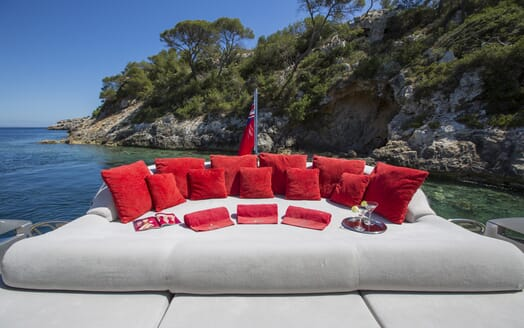 Motor Yacht Tiger Lily aft lounging area