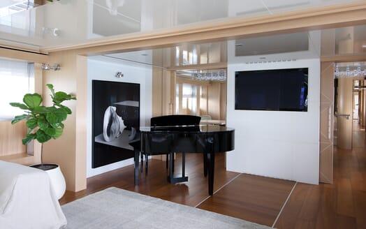 Motor Yacht Vicky Main Saloon Piano