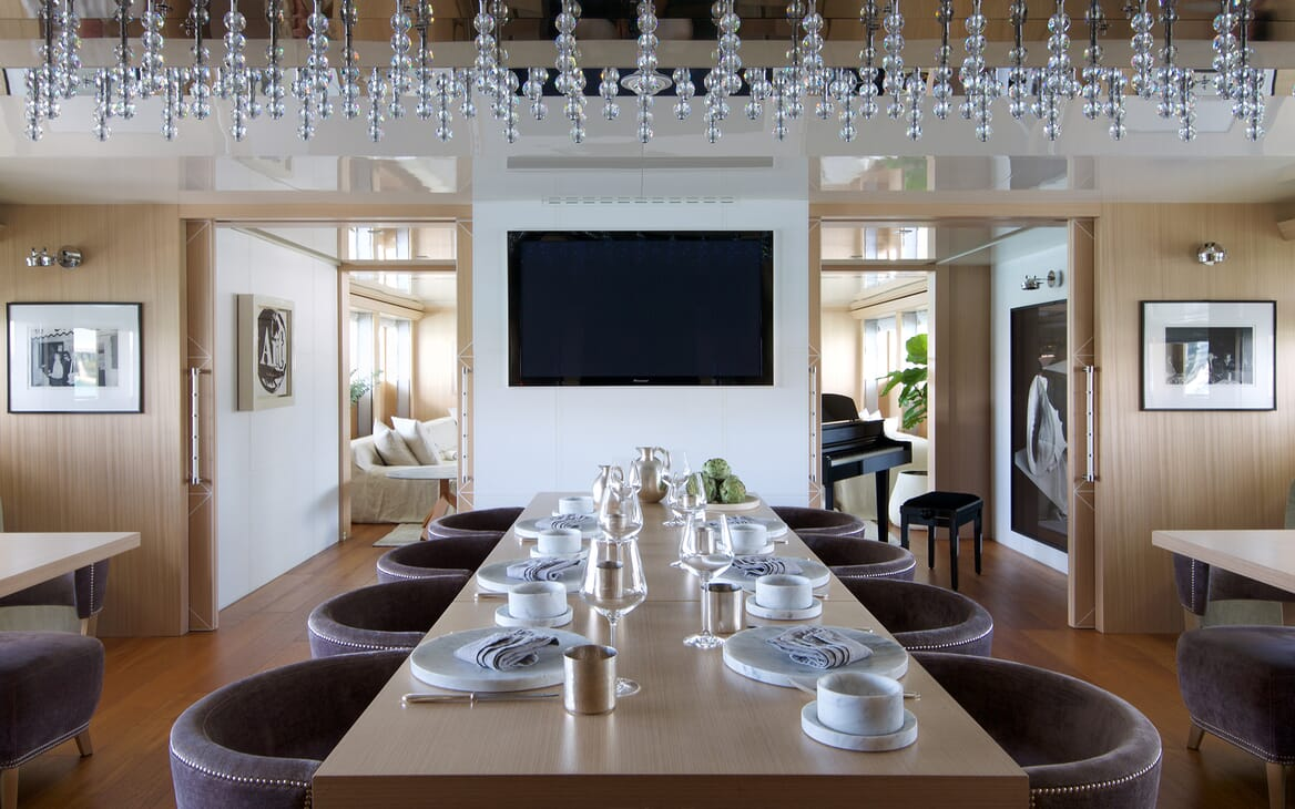 Motor Yacht Vicky Dining Table