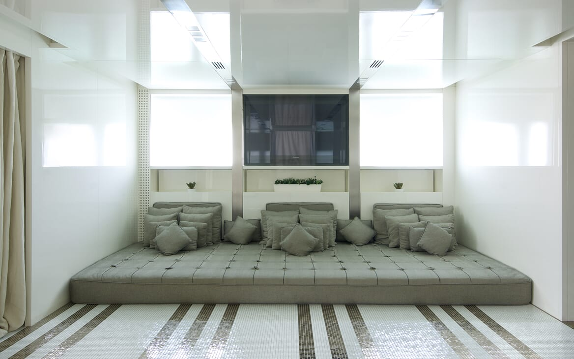 Motor Yacht Vicky Interior Relaxing Space