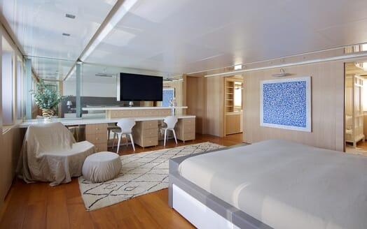 Motor Yacht Vicky Master Stateroom 1