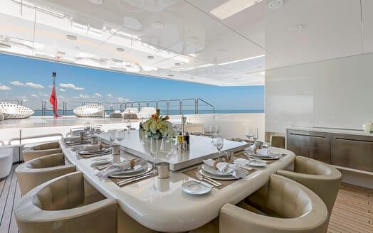 Motor Yacht Vicky Alfresco Dining