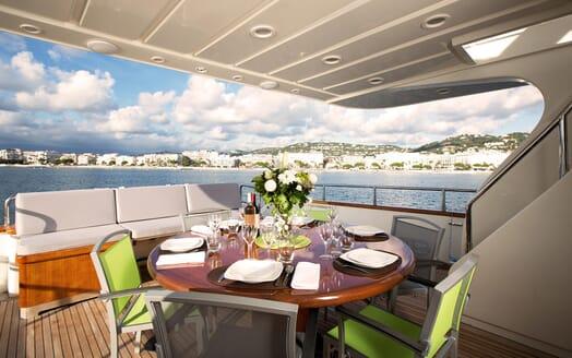 Motor Yacht Ylang Ylang outdoor dining area