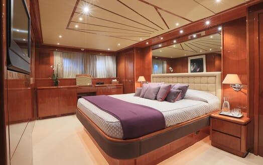 Motor Yacht Ylang Ylang master cabin