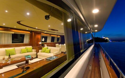 Motor Yacht Ylang Ylang side deck