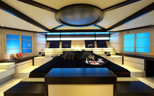 Sailing Yacht Perla Del Mare master cabin