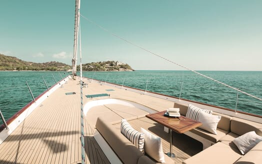 Sailing Yacht Inmocean foredeck