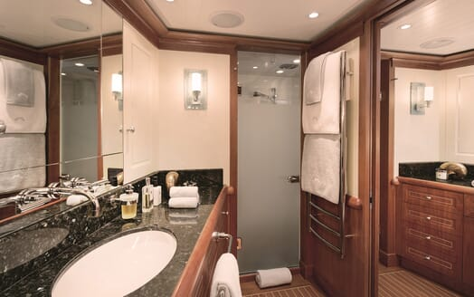 Sailing Yacht Inmocean master bathroom