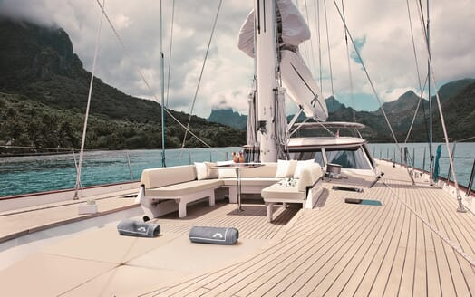 Sailing Yacht Inmocean main deck