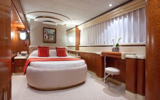 Motoryacht SUPERTOY vip cabin
