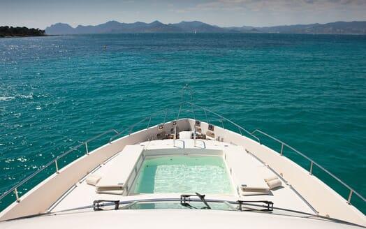 Motoryacht SUPERTOY sundeck pool