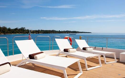 Motoryacht SUPERTOY sundeck lounge
