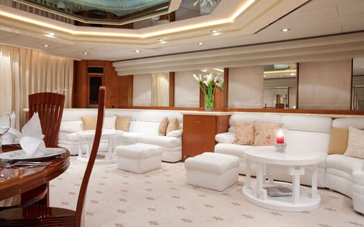 Motoryacht SUPERTOY interior design