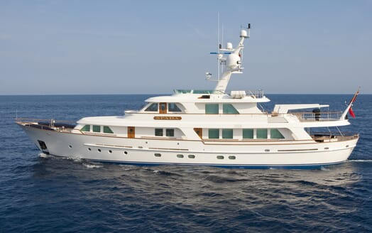 Motor Yacht Spada cruising