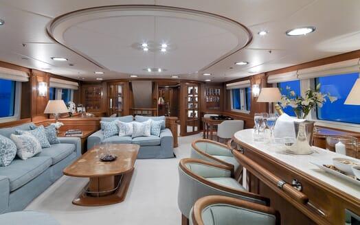 Motor Yacht Spada main saloon