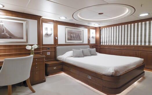 Motor Yacht Spada master cabin