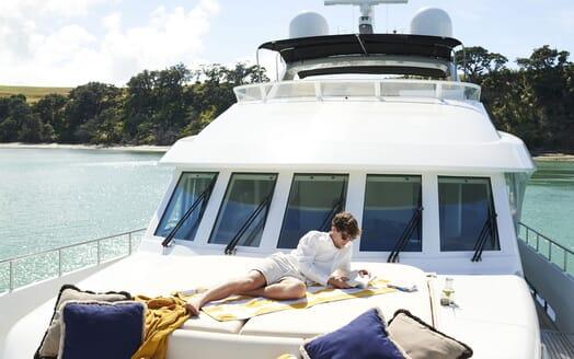 Motor Yacht WILLOW Bow Sun Pad