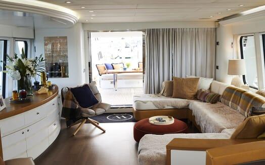 Motor Yacht WILLOW Main Salon to Aft Deck