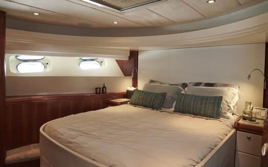 Motor Yacht WILLOW Full Beam Double