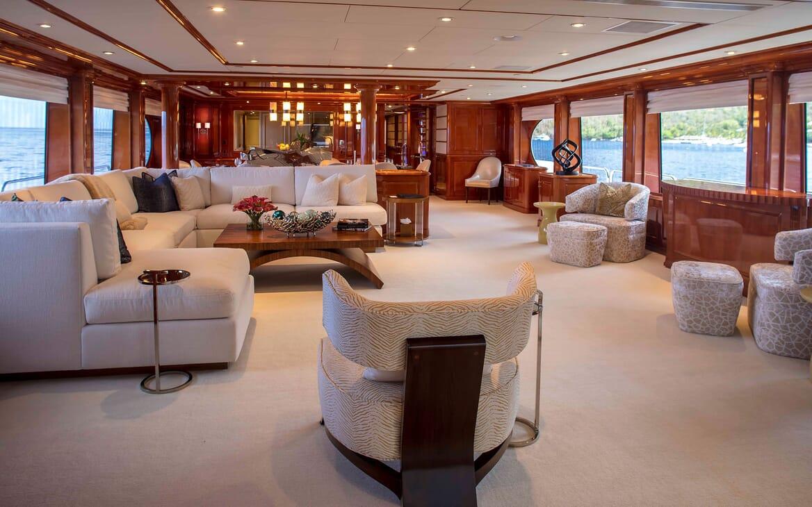 Motor yacht MILESTONE living room with cream seating