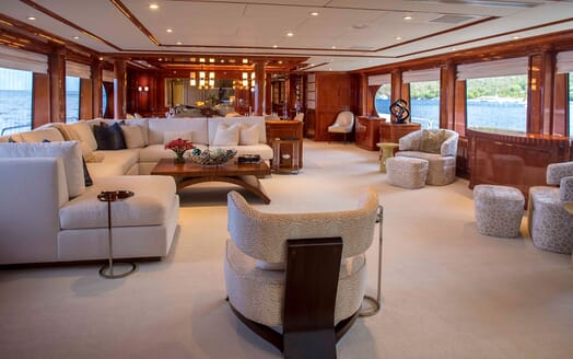 Motor yacht MILESTONE living room with cream seating