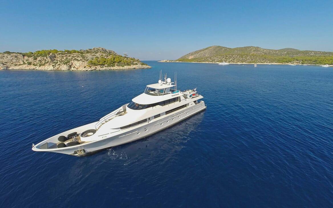 Motor Yacht Endless Summer aerial