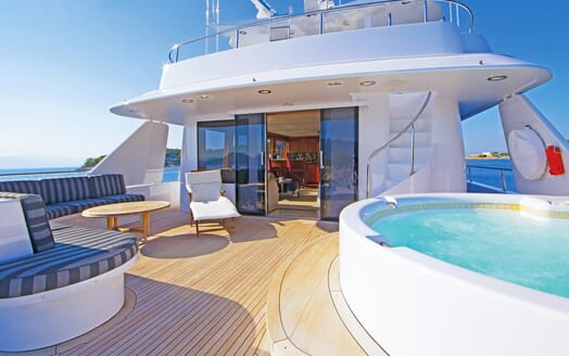 Motor Yacht Endless Summer sundeck