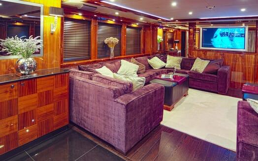 Motor Yacht Cassiopeia Saloon 2