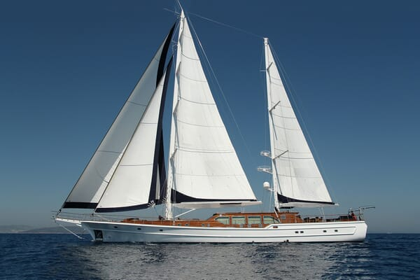 Sailing Yacht Clear Eyes sailing