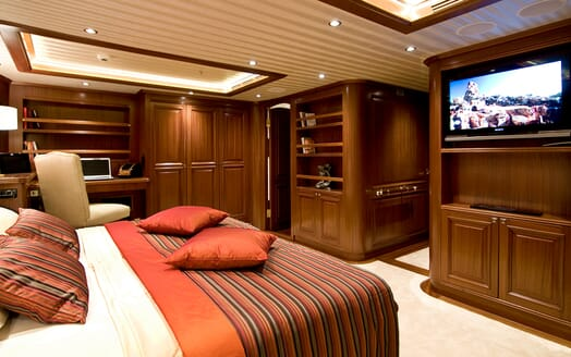 Sailing Yacht Clear Eyes master stateroom