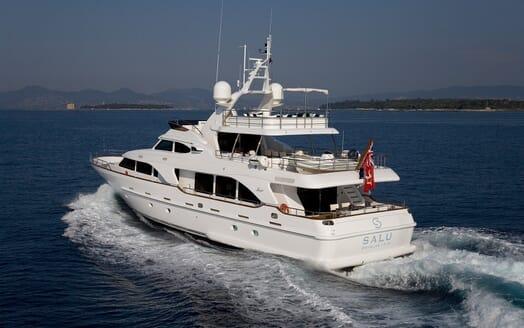 Motor Yacht Salu underway