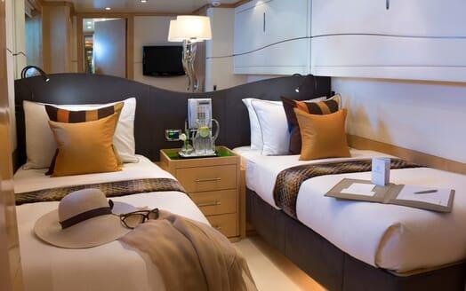 Motor Yacht Salu twin cabin