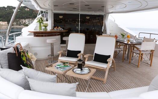 Motor Yacht Salu outdoor seating