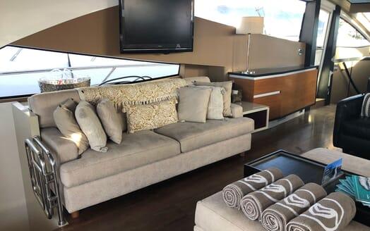 Motor Yacht FUNKY TOWN Main Saloon TV