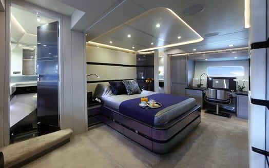 Sailing Yacht Bliss master cabin
