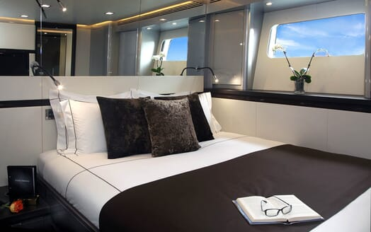 Sailing Yacht Bliss guest cabin