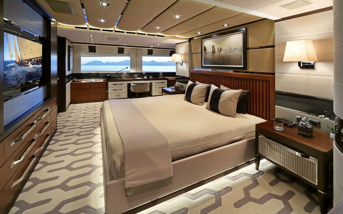 Motor Yacht AURELIA Master Stateroom