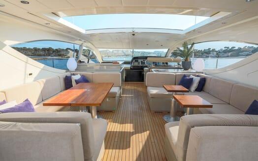 Motor Yacht ELLERY Sun Deck