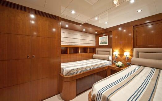 Motor Yacht Mrs White twin cabin