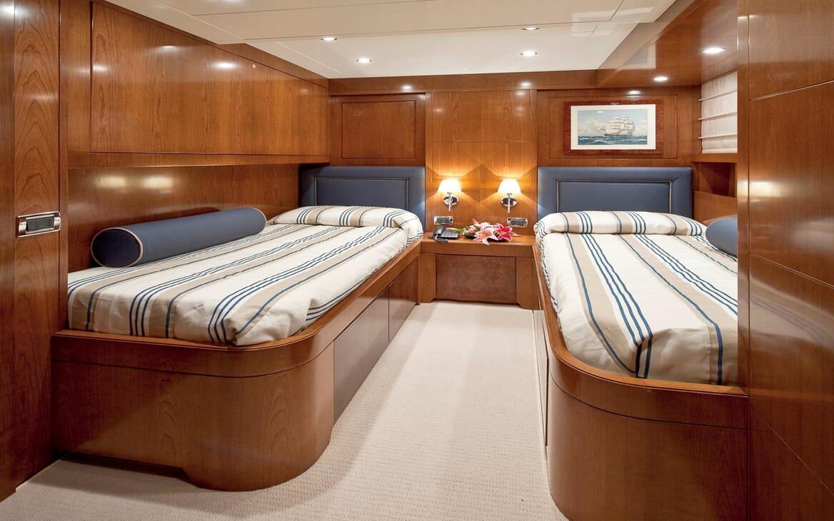Motor Yacht Mrs White twin stateroom