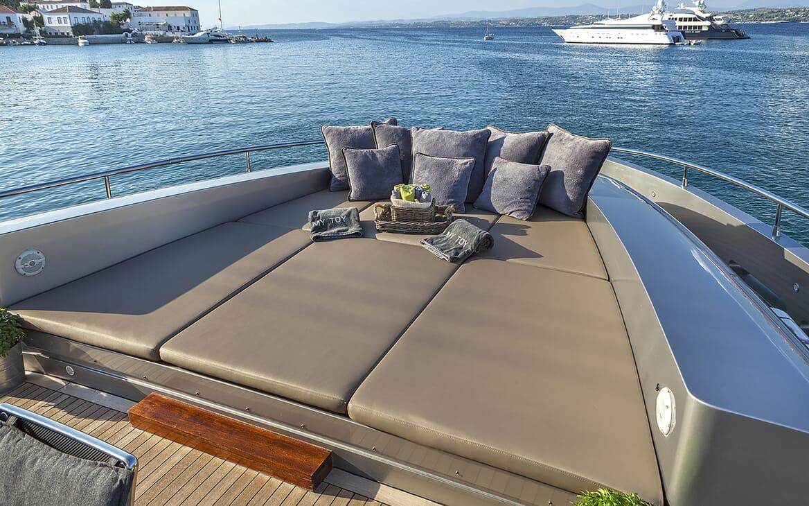Motor Yacht My Toy sun loungers