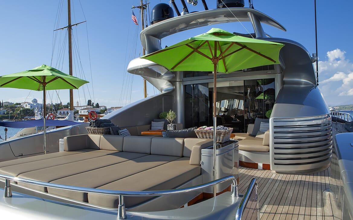 Motor Yacht My Toy aft deck