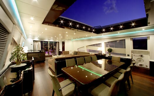 Motor Yacht My Toy dining area