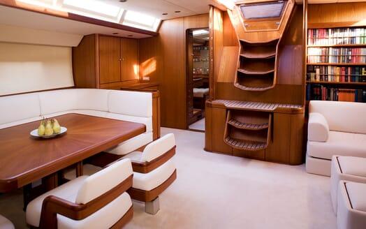 Sailing Yacht CYCLOS II Main Saloon