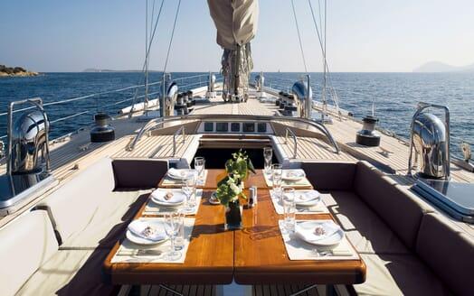 Sailing Yacht CYCLOS II Al Fresco Dining