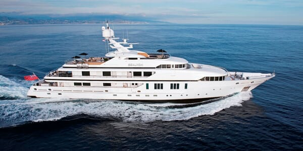Motor Yacht Sealyon running shot