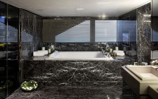 Motor Yacht SEALYON Bathroom