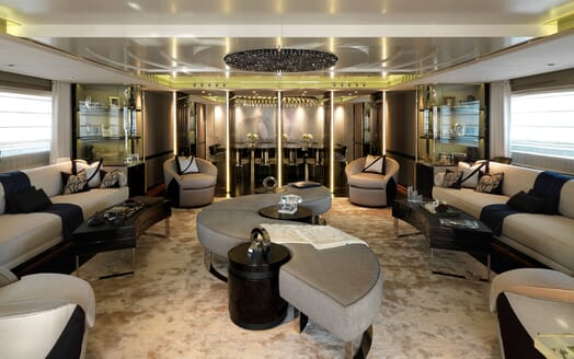 Motor Yacht Sealyon salon
