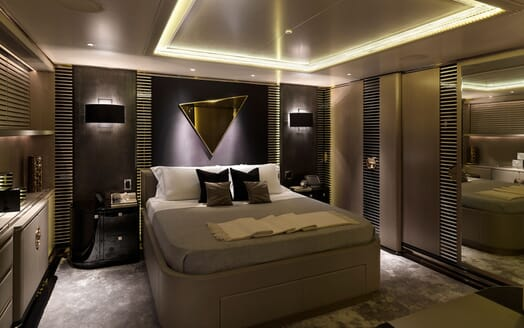 Motor Yacht SEALYON Guest Double Stateroom